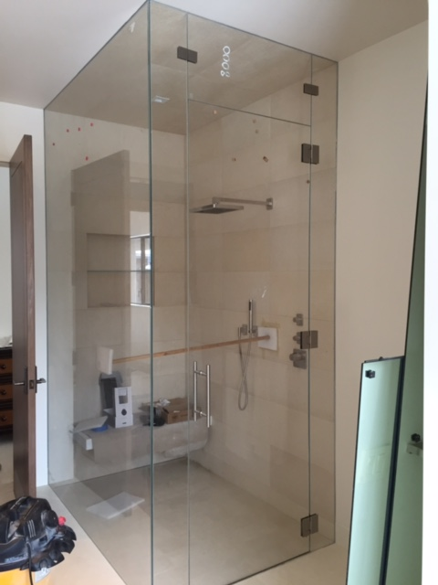 shower and mirrors 6