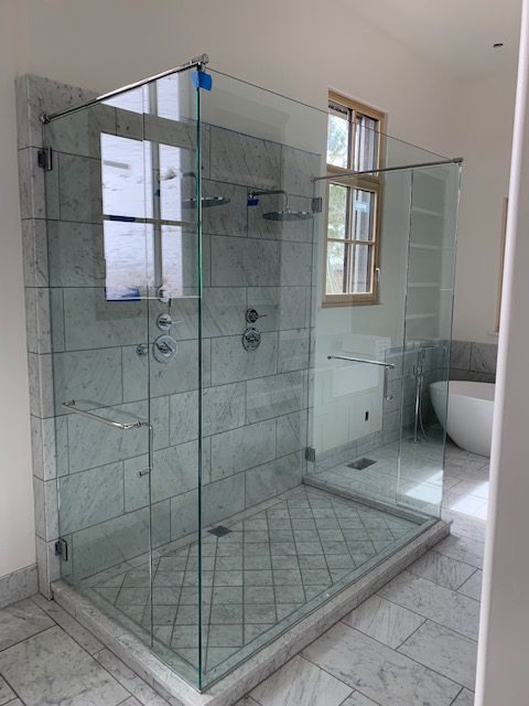 shower and mirrors 17 e1555080664912